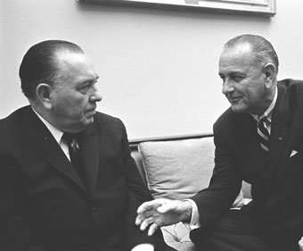 Richard Daley in conversation with Lyndon Johnson