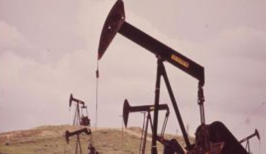 Oil Drilling at Teapot Dome