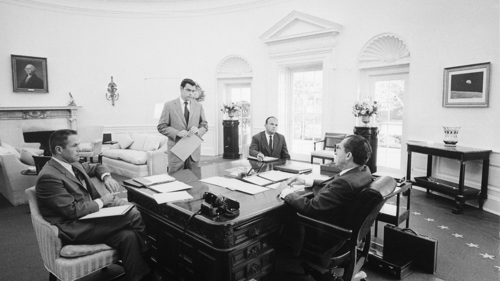 nixion in the oval office